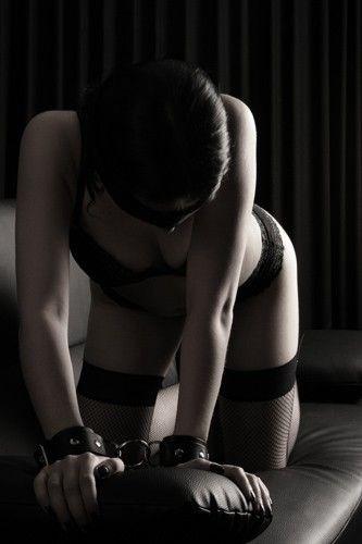 Femme mariée délaissée vous invite dans son lit dans le 23