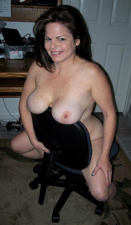 Femme mure nue image porno 01
