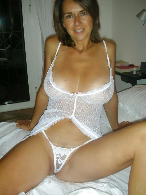 Femme mure nue image porno 74