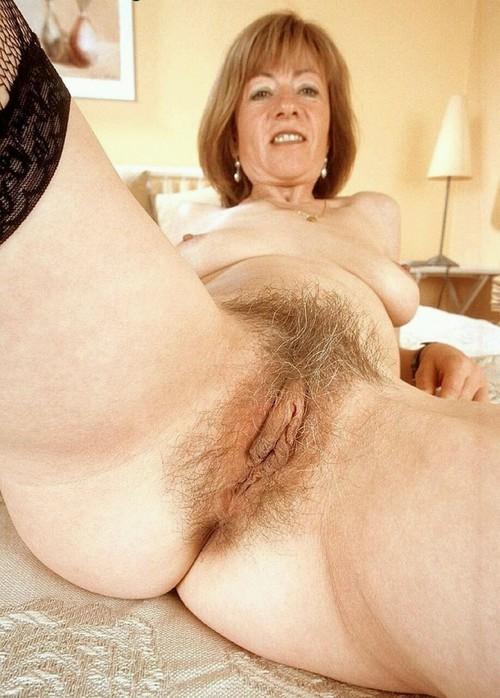 Image pour s'exciter avec une femme mature nue 42