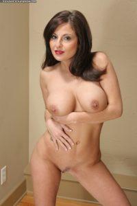 femme cougar nue dans le 10