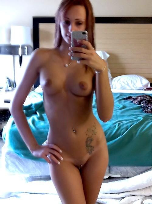 une femme nue du 30 mature